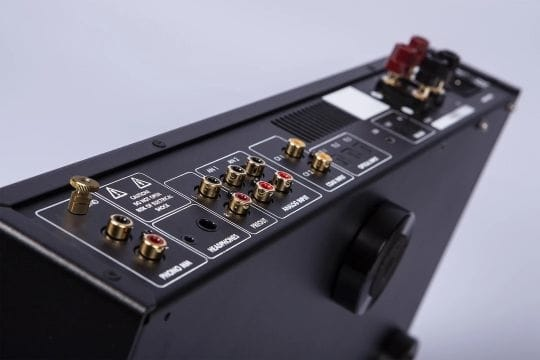 Electrocompaniet ECI-80D Integrated Amplifier (Detail)