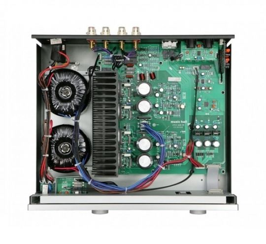 MUSIC HALL a-70.2 Integrated Amplifier (Inside)